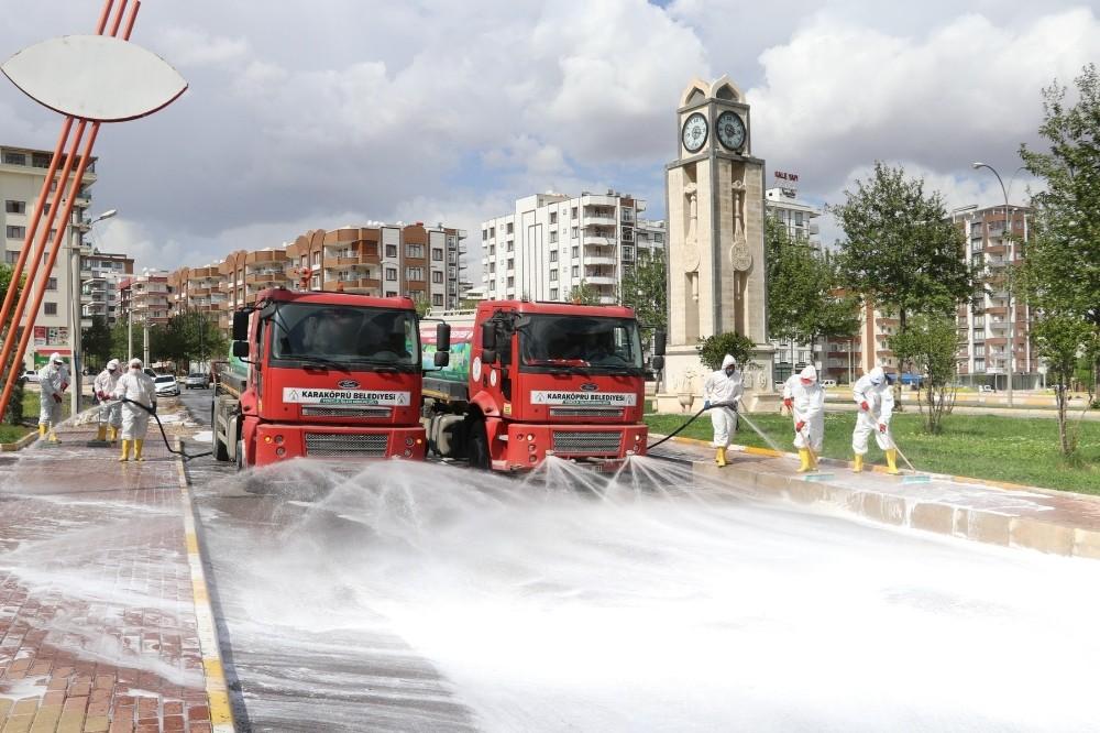 Karaköprü'de dezenfekte edilmedik sokak kalmıyor