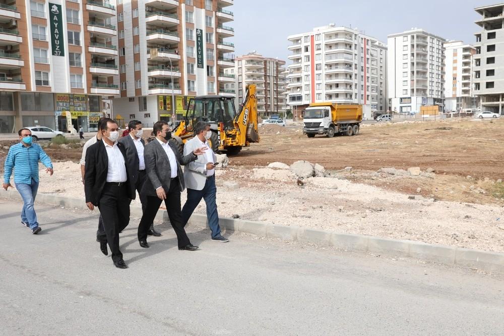 Karşıyaka Mahallesine cami, halı saha ve semt pazarı yapılıyor