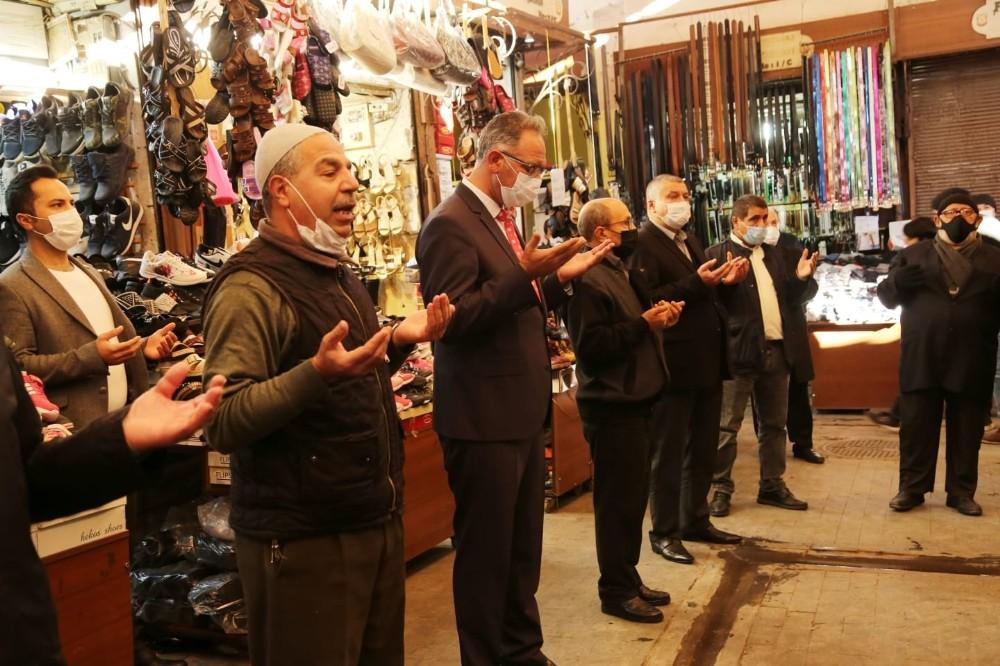 Başkan Kuş, esnafla bereket duasına katıldı