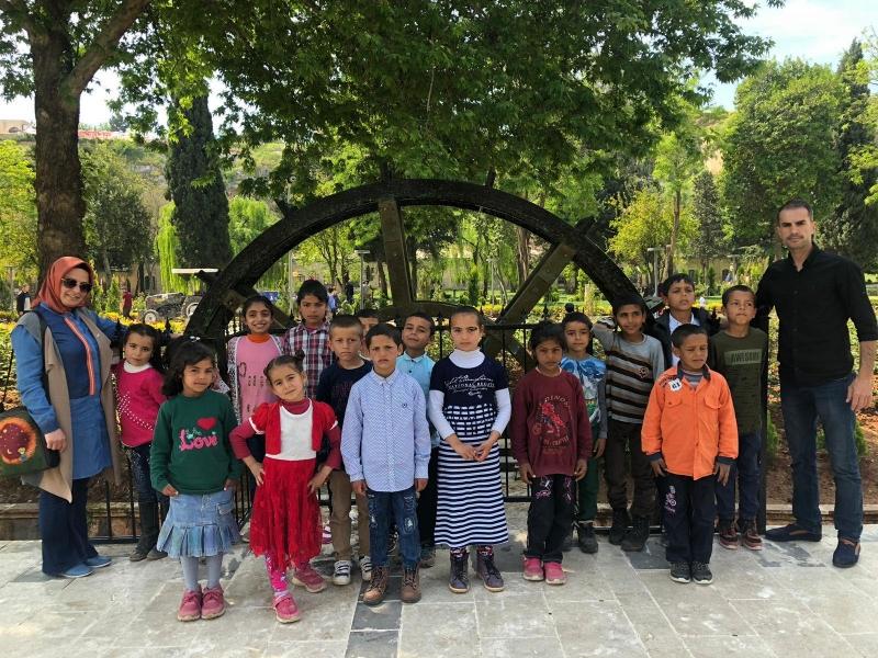 23 Nisan Başkanın Talimatı Yerine Geldi Öğrenciler Şanlıurfa'yı Gezdi