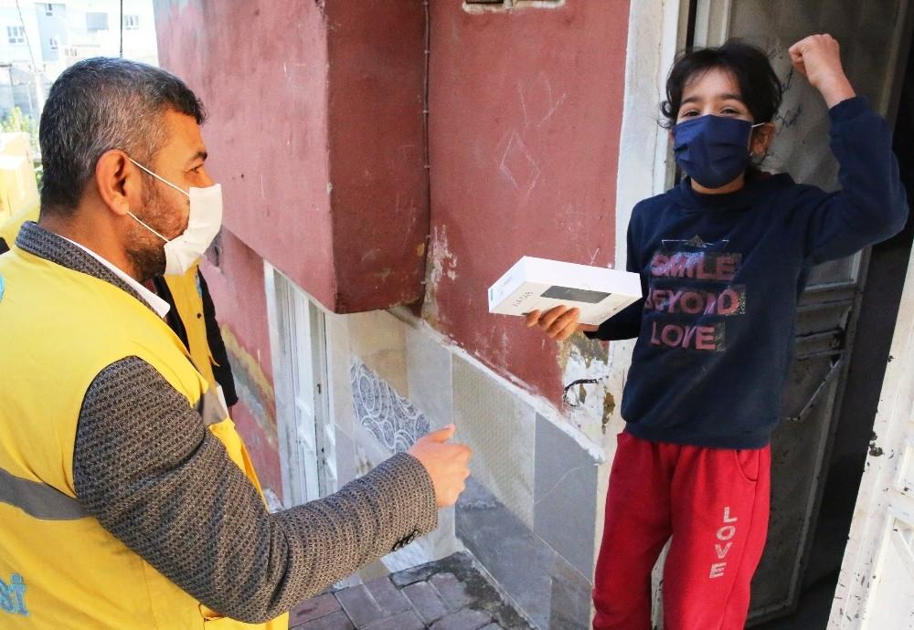 Haliliye Belediyesi'nden tablet desteği