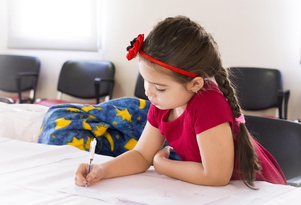 Ebeveyn kaygısı çocukların okul korkusunu tetikliyor