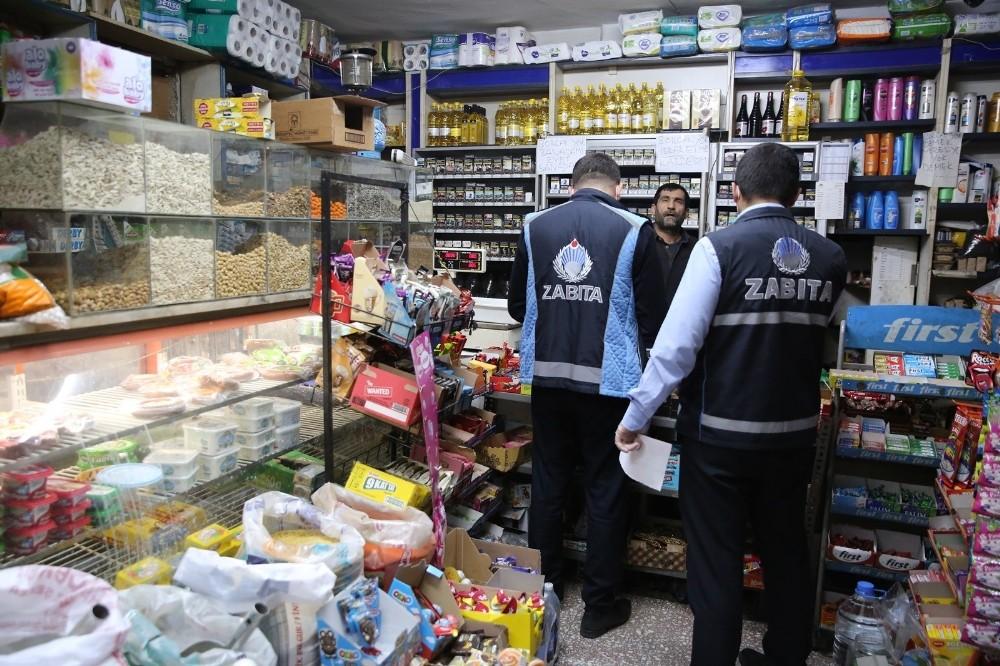 Haliliye zabıtasından marketlere uyarı
