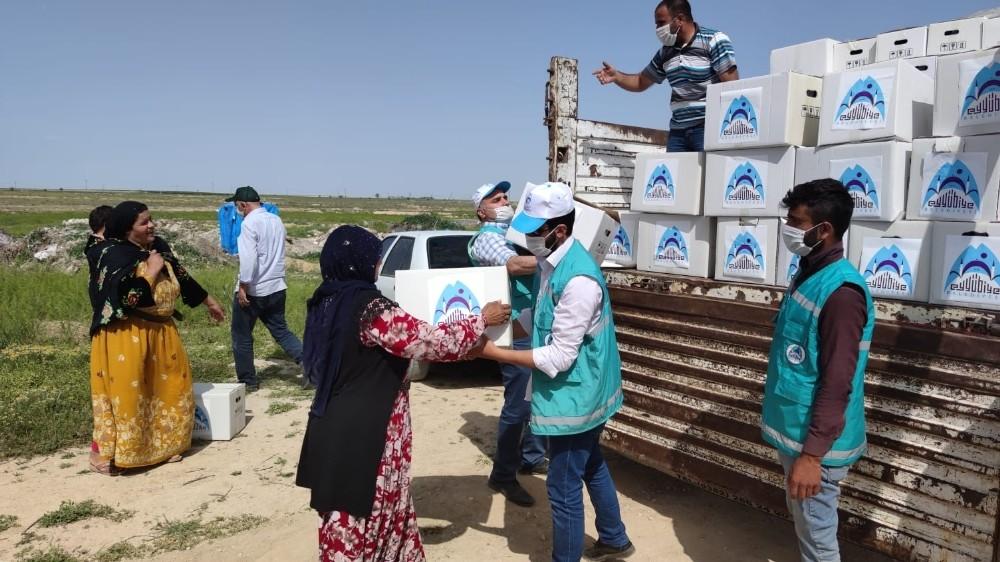 Tarım işçilerine gıda paketi