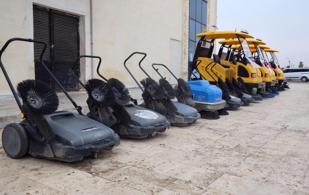 Eyyübiye Belediyesi temizlik filosuna 5 yeni araç kattı