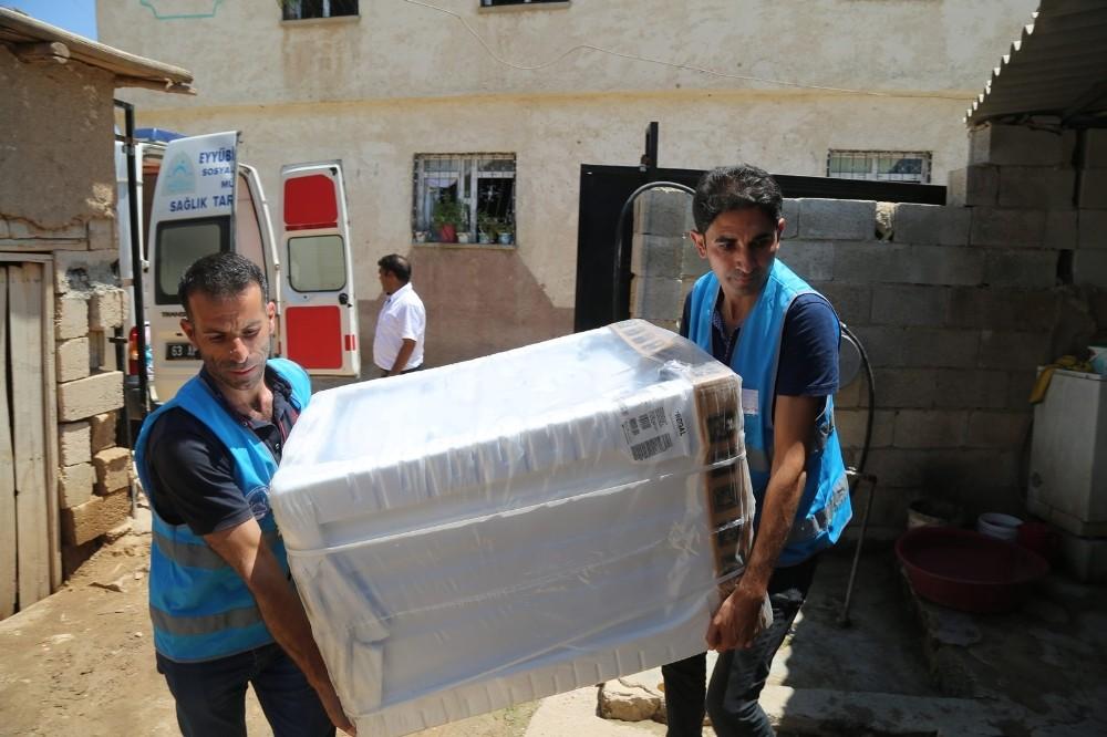 Eyyübiye'de yardıma muhtaç vatandaşların yüzü güldü