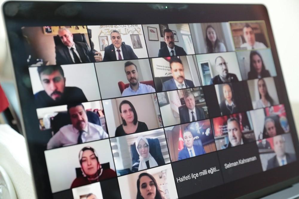 Beyazgül'den online Öğretmenler Günü kutlaması