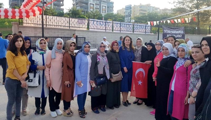 Ak Parti İl ve İlçe Kadın Kolları Çalışmalarını Sürdürüyor