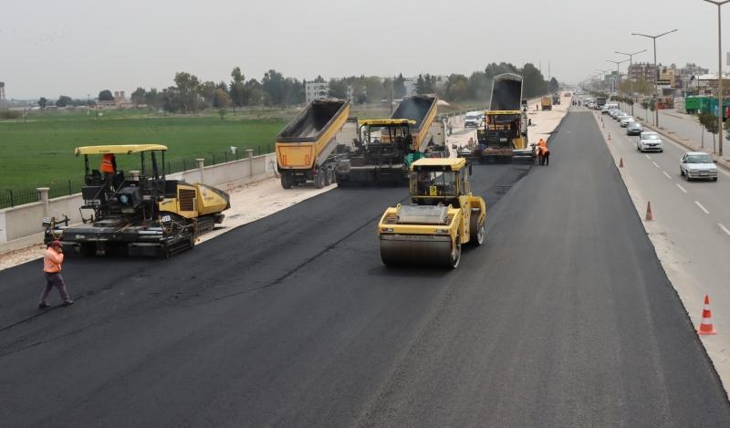 Akçakale yolunda genişletme ve asfaltlama çalışmaları sürüyor