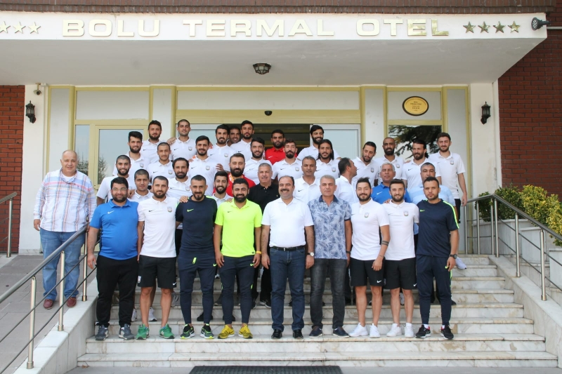 Başkan Çiftçi Belediyesporlu Futbolcularla Buluştu
