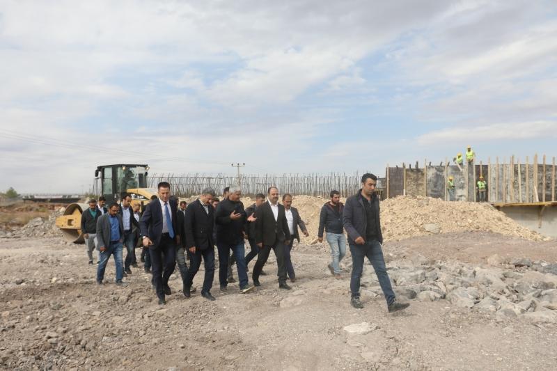 Başkan Çiftçi Çevik Kuvvet Köprülü Kavşağında Çalışmaları İnceledi