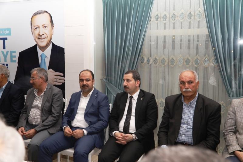 Başkan Çiftçi Fatih Aksoyun Seçim Brosunun Açılışına Katıldı