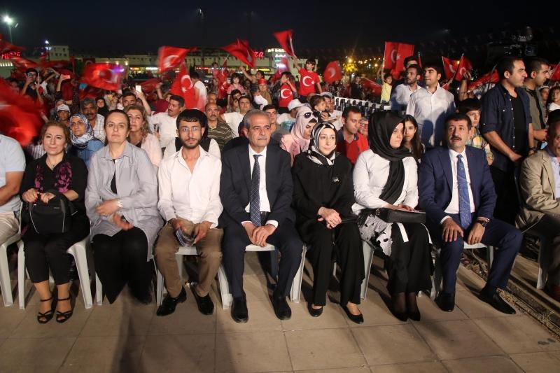 Başkan Demirkol 15 Temmuz'da Yine Meydandaydı