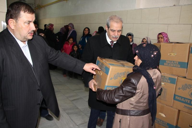 Başkan Demirkol İhtiyaç Sahibi Aileleri Yalnız Bırakmıyor