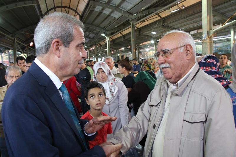 Başkan Demirkol Semt Pazarında Vatandaşlarla Buluştu