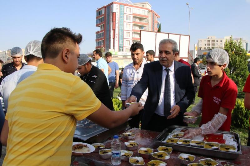 Başkan Demirkol,Bayram Geleneklerini Sürdürüyor