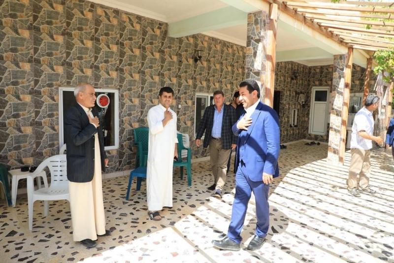 Başkan Özyavuz Bayramda Harranlıları evlerinde tek tek ziyaret ederek moral verdi.