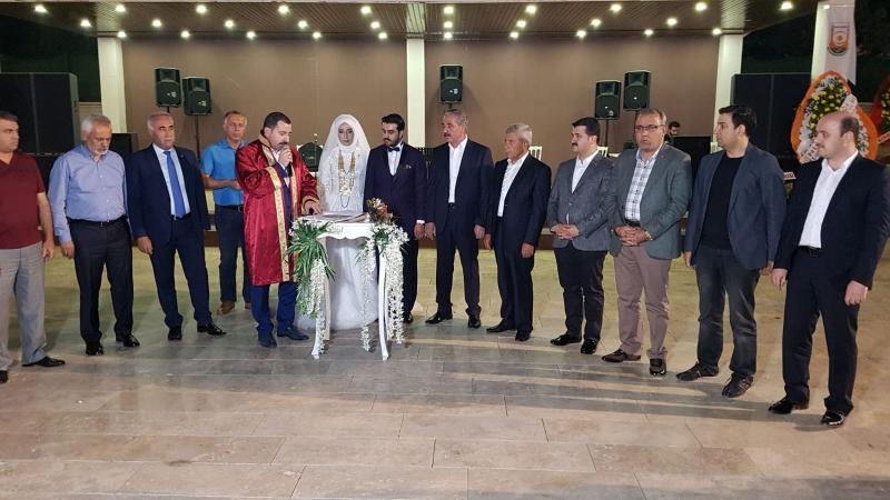 Başkan Yıldız Çiftçi Ve Koç Ailelerinin Düğün Törenine Katıldı