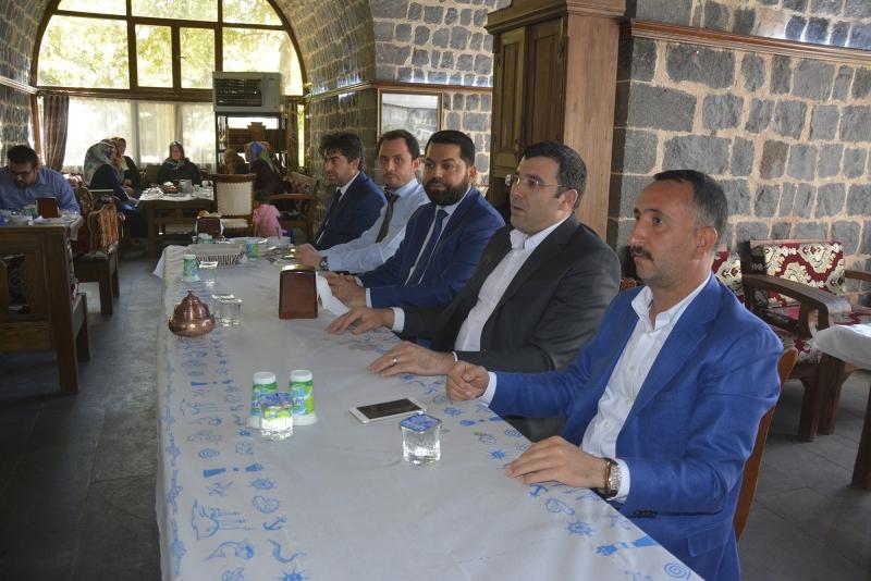 Başkan Yılmaz din görevlileriyle yemekte bir araya geldi