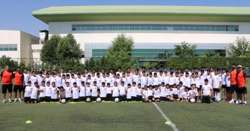 Büyükşehir Futbol Yaz Okulu'na Yoğun İlgi