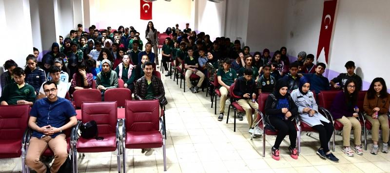Büyükşehir'den Öğrencilere Sinama Etkinliği