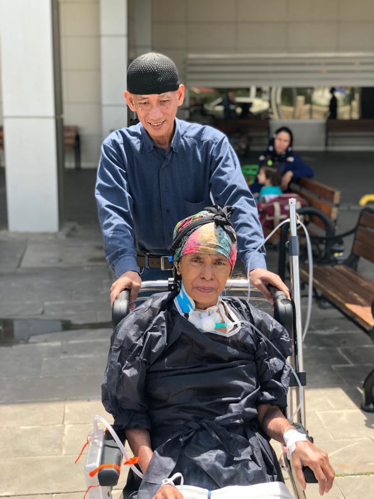 Endonezyalı hasta 7 ay sonunda taburcu edildi.