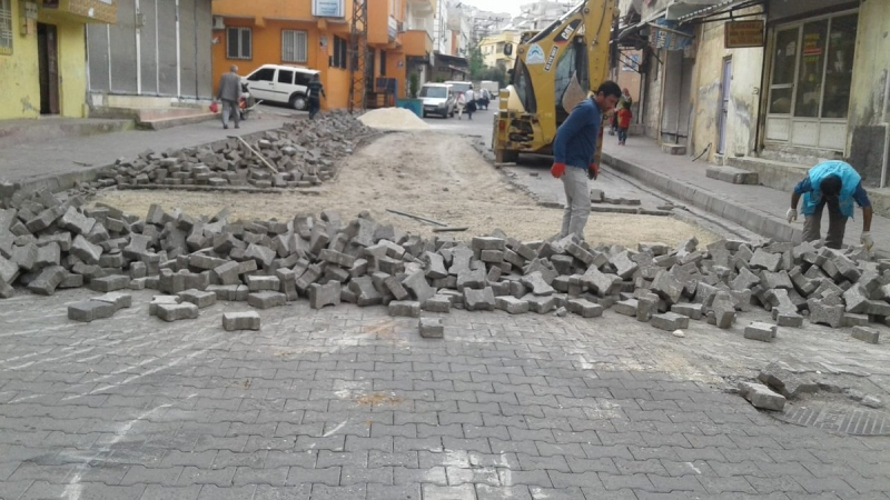 Eyyübiye Belediyesi Merkez Ve Kırsalda Yol Yapım Çalışmalarını Sürdürüyor