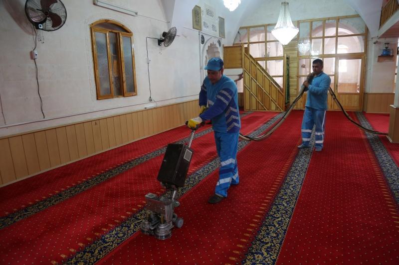 Eyyübiye Belediyesi Cami Temizleme Seferberliğini Sürdürüyor
