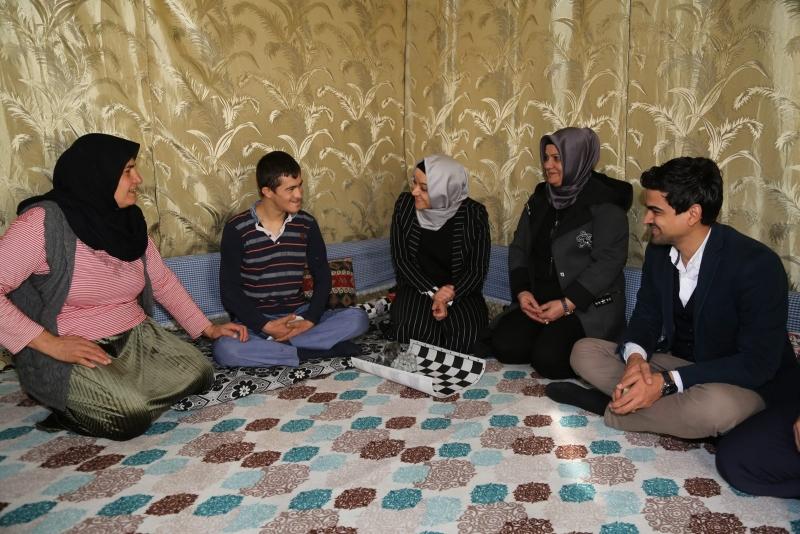 Eyyübiye'de Çat Kapı Ev Ziyaretleri Sürüyor