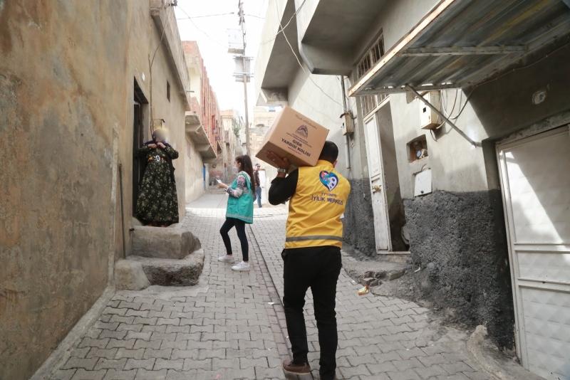 Eyyübiye'de yardım faaliyetleri sürüyor