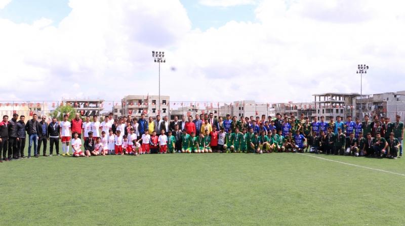 Futbol Turnuvasında Şampiyon Takımlar Kupasını Aldı