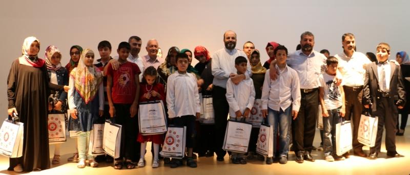 Görme Engelli Gençler Kur'an-ı Kerim'i Hatim Etti