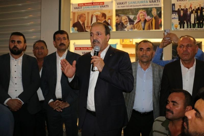 Halil Özcan'dan Miting Gibi Büro Açılışı