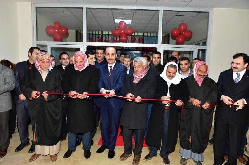 Harran İlçesinde Yapımı Tamamlanarak Eğitim Öğretime Kazandırılan Okulların Açılışlarını Şanlıurfa Valisi Abdullah Erin Gerçekleştirdi.
