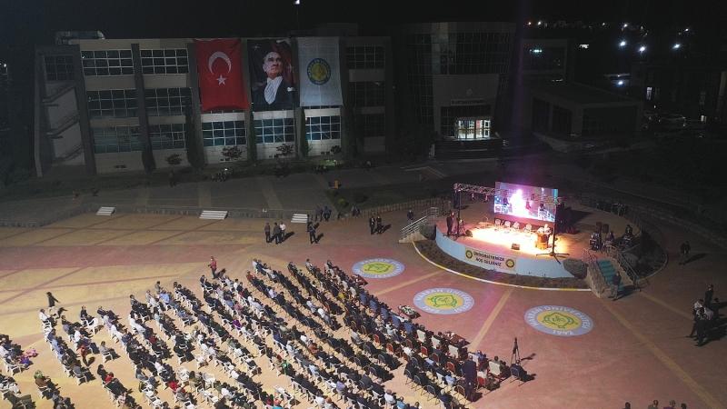 Harran Üniversitesi, 2021-2022 Yılı Akademik Açılış Törenini Yaptı