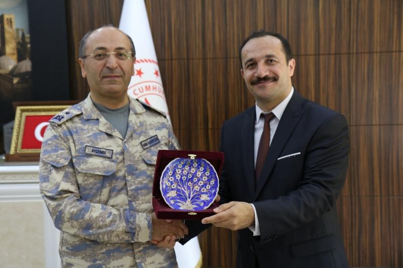 Hava Tabip Tuğgeneral Durmuş AYDEMİR'den İl Sağlık Müdürüne ziyaret.