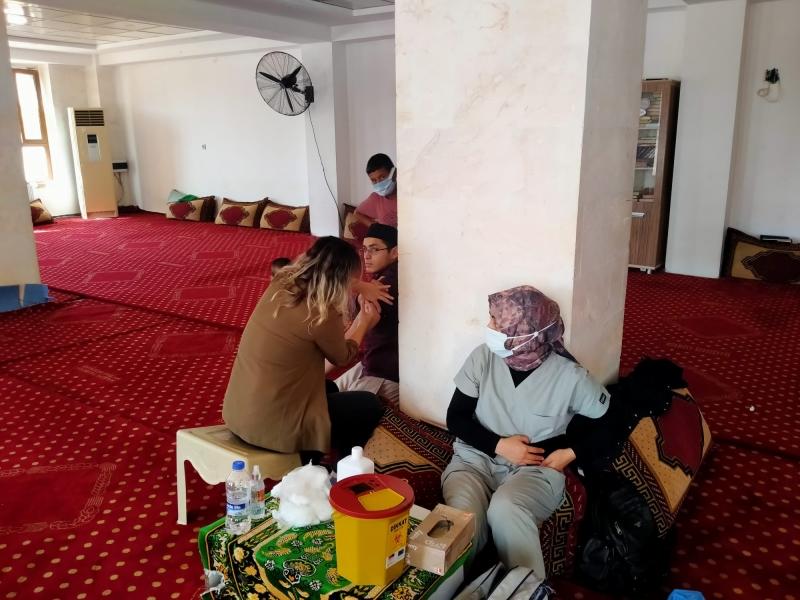 İl Sağlık Müdürlüğüne bağlı Sağlık Personellerimiz Merkeze bağlı bakımlı mezrasında Camiye Girerek Anonslar Yaparak, Halkı Aşı Olmaya Davet Etti.