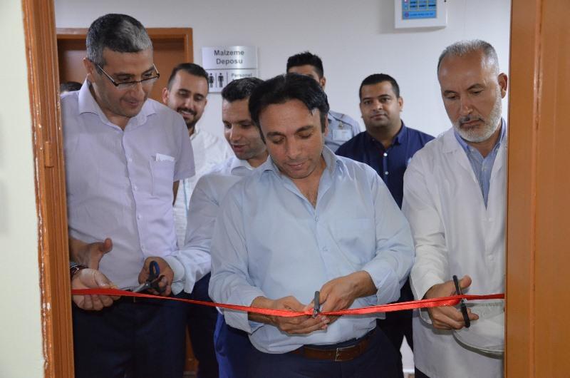 İl Sağlık Müdürü Mehmet Akif İnan Eğitim Araştırma Hastanesinde kütüphane açılışı gerçekleştirdi.