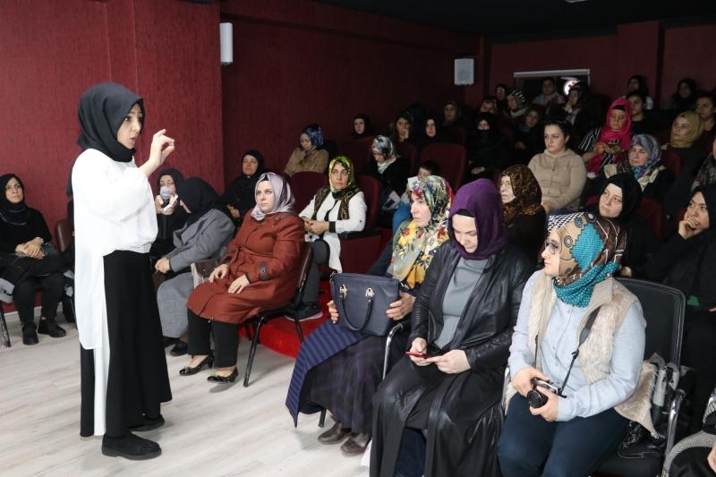 Karaköprü'de Kadınlara Stres Yönetimi Semineri Verildi