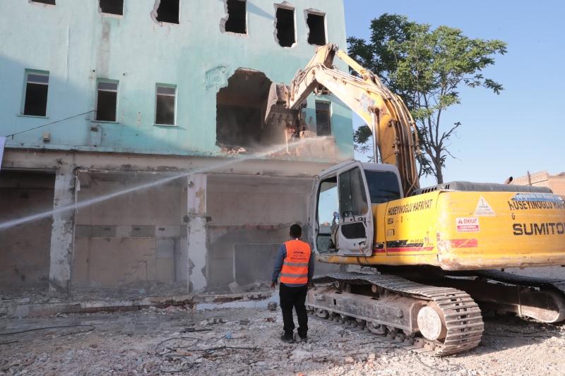 Kızılay Meydanı Projesi için yıkım çalışmaları sürüyor