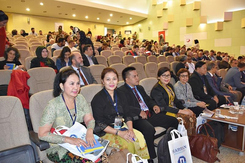 Küresel Göç Farklı Boyutlarıyla HRÜ'de Ele Alınıyor