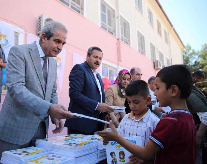 Miniklerin Eğitim Yılında ilk Hediyeleri Başkan Demirkol'dan