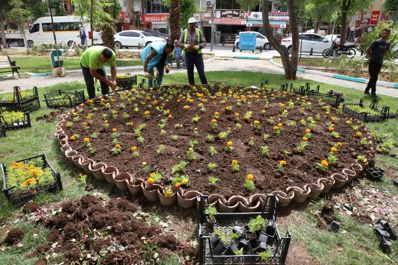 Peyzaj Çalışmaları İle Haliliye Belediyesi Parkları Güzelleştiriyor