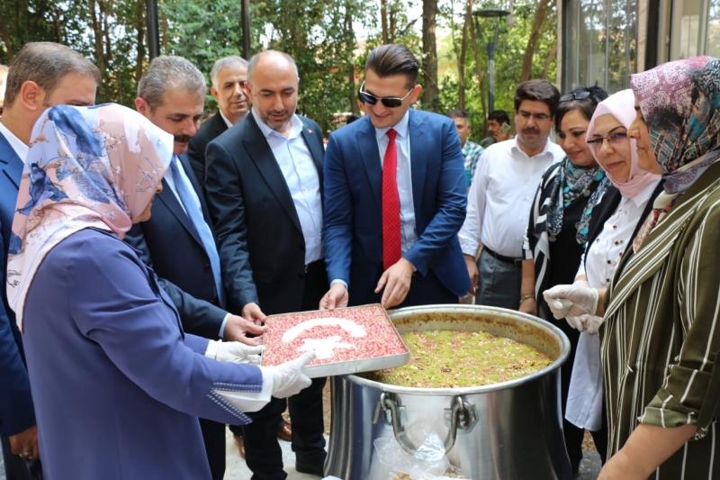Şanlıurfa Bozova ilçesinde,  Muharrem ayı münasebetiyle aşure etkinliği düzenlendi.