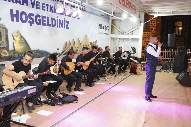 Siverek belediyesi Takoran Festivali halk konseri