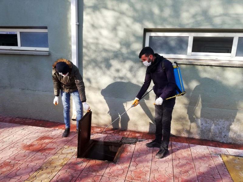 Siverek'te haşere ile kış mücadelesi sürüyor