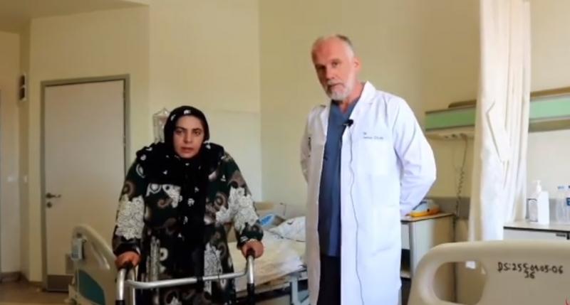 Sürünerek geldiği hastaneden yürüyerek çıktı.