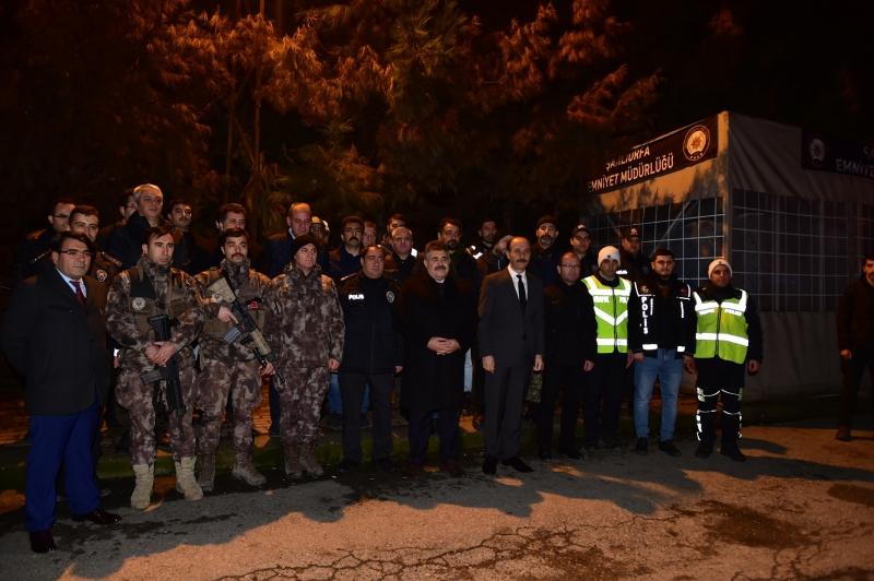Vali Erin Yeni Yıla Sınırda Mehmetçik'le Girdi