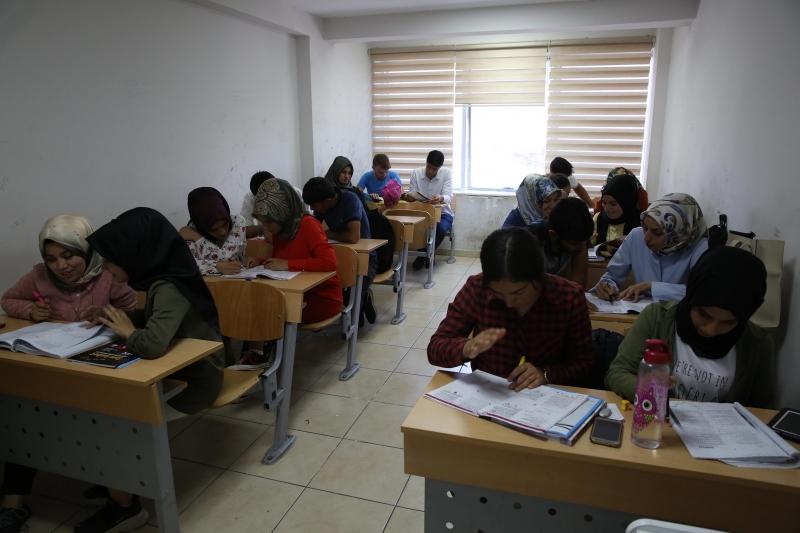 YKS Öğrencileri Sınava Haliliye Belediyesi İle Hazırlanıyor