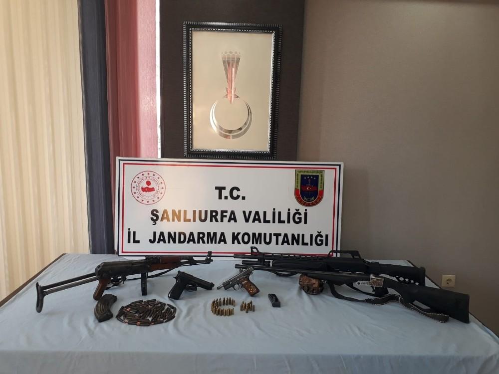Şanlıurfa'da silah kaçakçılarına operasyon: 2 gözaltı